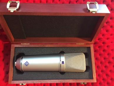 Talents Room Studio | microphone | spoken word
